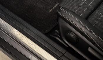 Mercedes-Benz GLA 180 d Sport full