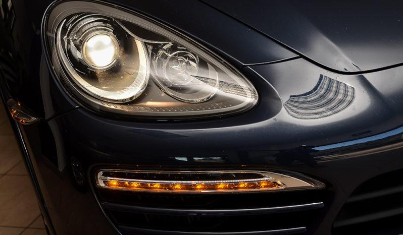 Porsche Cayenne 3.0 Diesel full